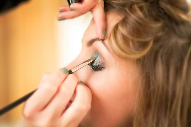 green vegan eyeshadow