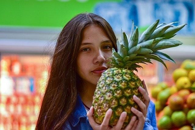 vegan supermarket shopping