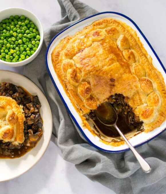 Mushroom pie with ale and lentils