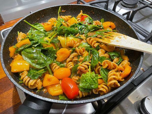 Green Chef vegan Tomato Arrabiata Fusilli cooking